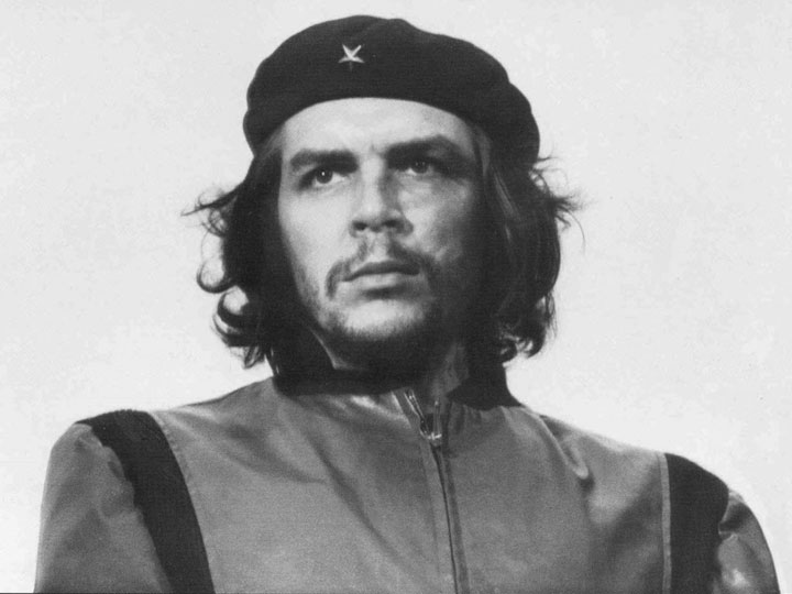 Portrait of Che Guevara at the funeral of the victims of the La Coubre explosion