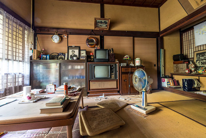 The doctor's house -Abandoned Places That Will Remind You Of Forgotten Japan-5