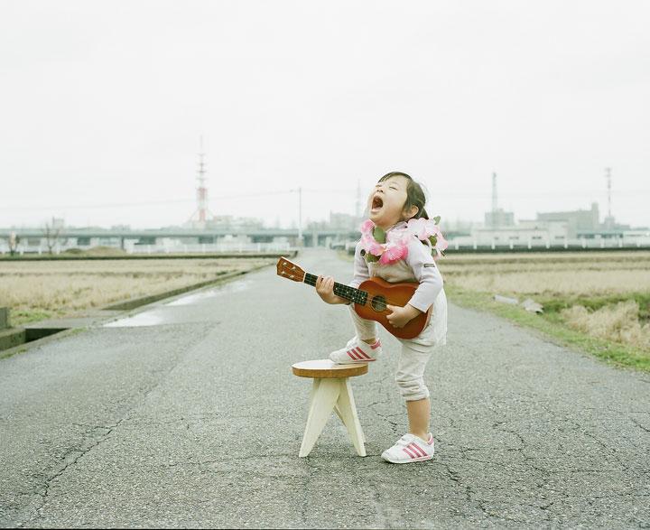 Daughter-girl-heroine-of-a-series-of-portraits-by-Nagano-Toyozaku-134