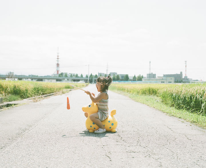 Daughter-girl-heroine-of-a-series-of-portraits-by-Nagano-Toyozaku-136