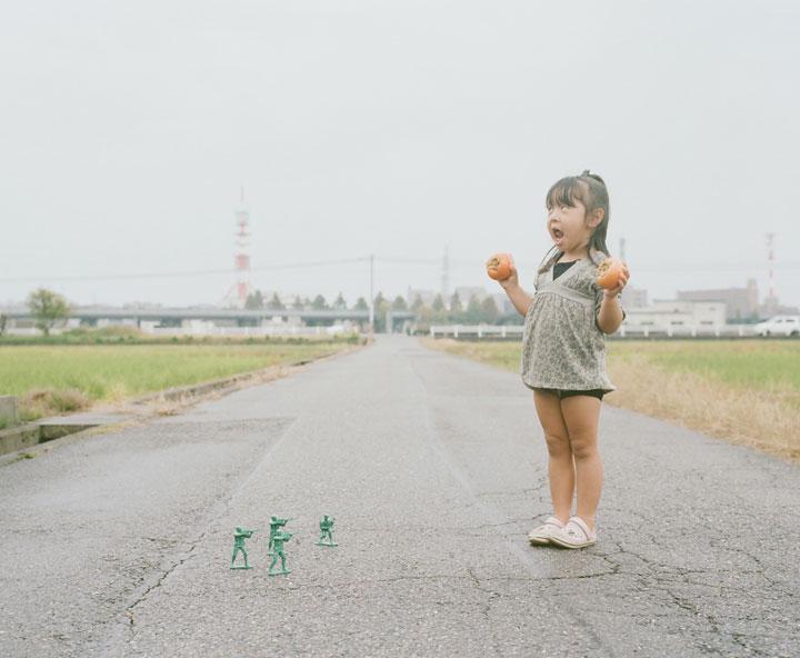 Daughter-girl-heroine-of-a-series-of-portraits-by-Nagano-Toyozaku-138