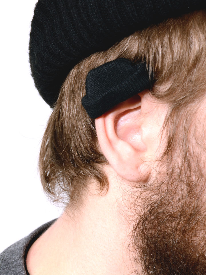 The man who uses mini-caps to protect his ears from the cold-25 extreme Hipsters of modern times-11