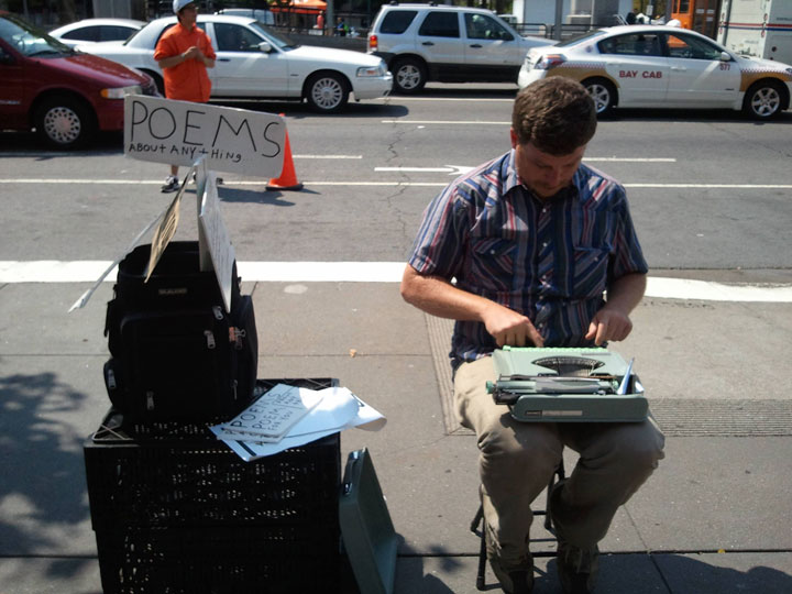 "The man who writes poems about ""anything"" in the street-25 extreme Hipsters of modern times-7"