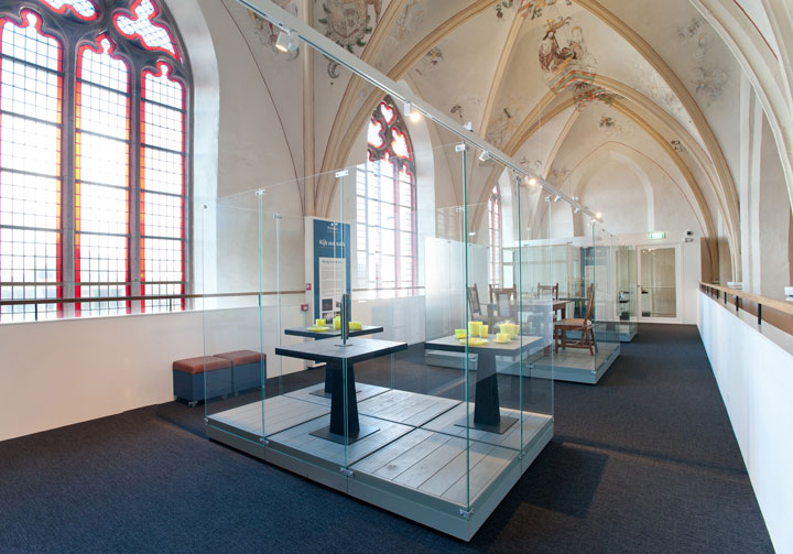 A Fifteenth Century Gothic Cathedral Transformed Into A Big Library-6