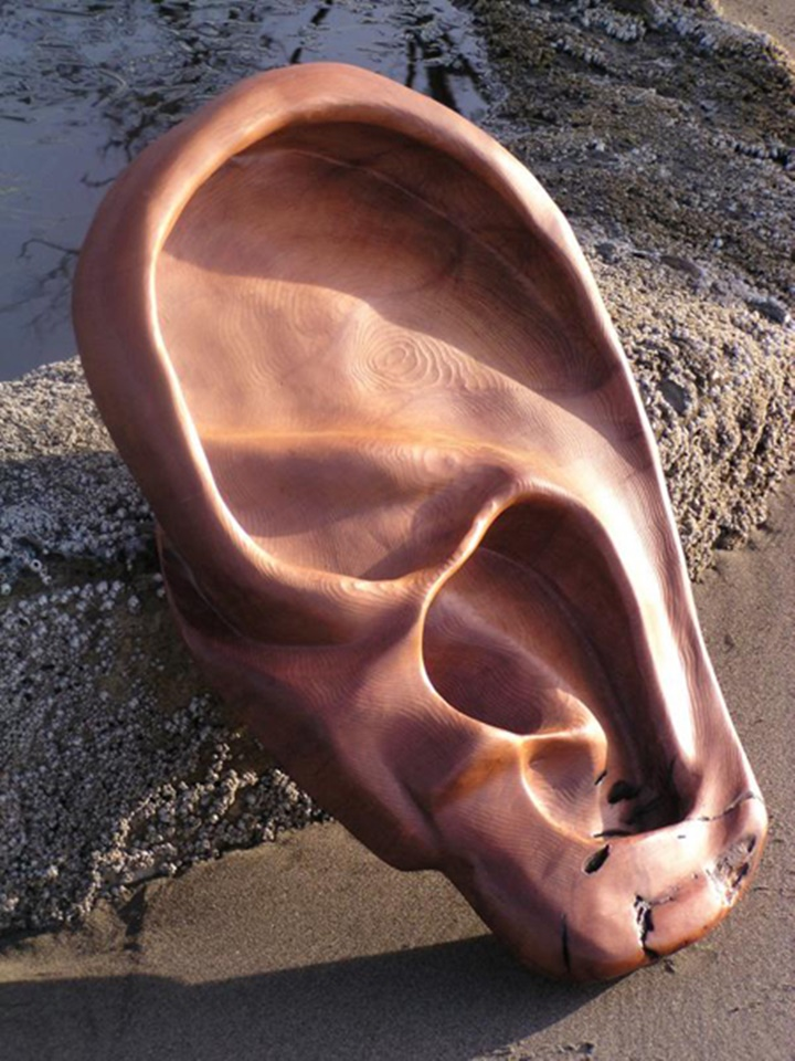 An ear-Jeffro makes impressive sculptures made only with wood-21