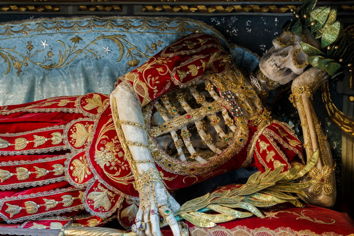 Macabre Art: 19 Skeletons Adorned With Lavish Jewelry In European Churches-