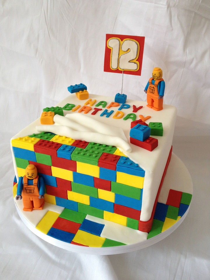 LEGO Cake -Original Cake Designs For The Passionate Of Geek Culture -19