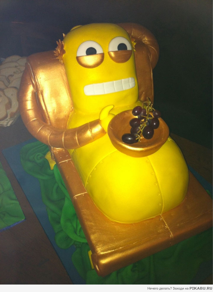 The Futurama cake-Original Cake Designs For The Passionate Of Geek Culture -23