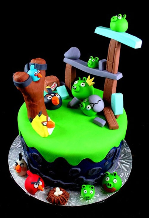 The Angry Birds cake-Original Cake Designs For The Passionate Of Geek Culture -24