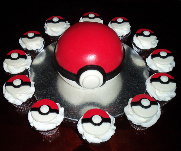 The Pokeball cake -Original Cake Designs For The Passionate Of Geek Culture -5