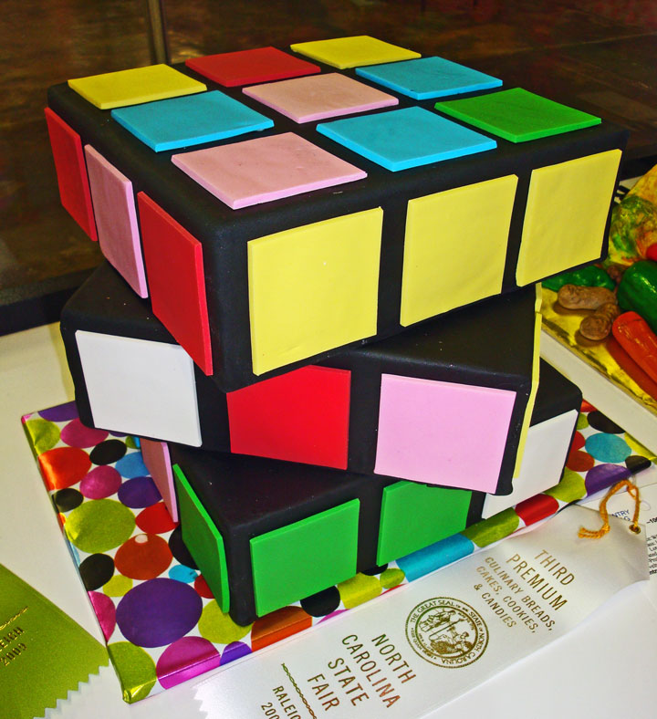 Rubik's Cube Cake-Original Cake Designs For The Passionate Of Geek Culture -6