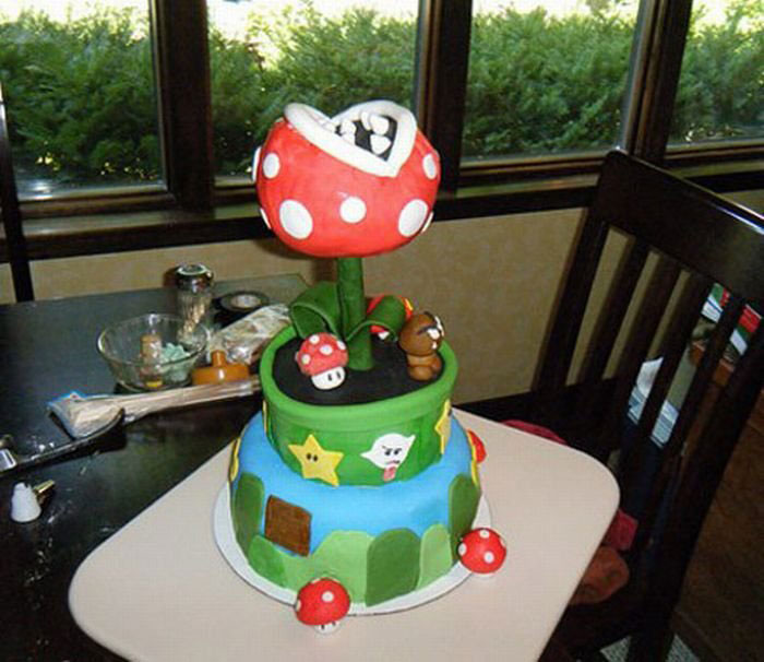 A second cake inspired by the world of plumber-Original Cake Designs For The Passionate Of Geek Culture -7
