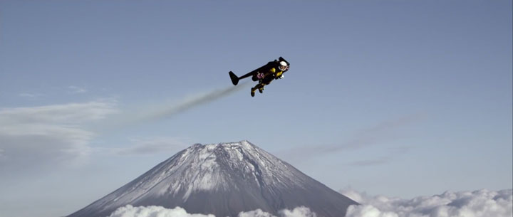 A Passionate Of Jetpack Flies Over Mount Fuji Using His Own Built Jetpack-3