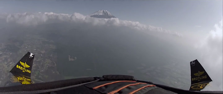 A Passionate Of Jetpack Flies Over Mount Fuji Using His Own Built Jetpack-6
