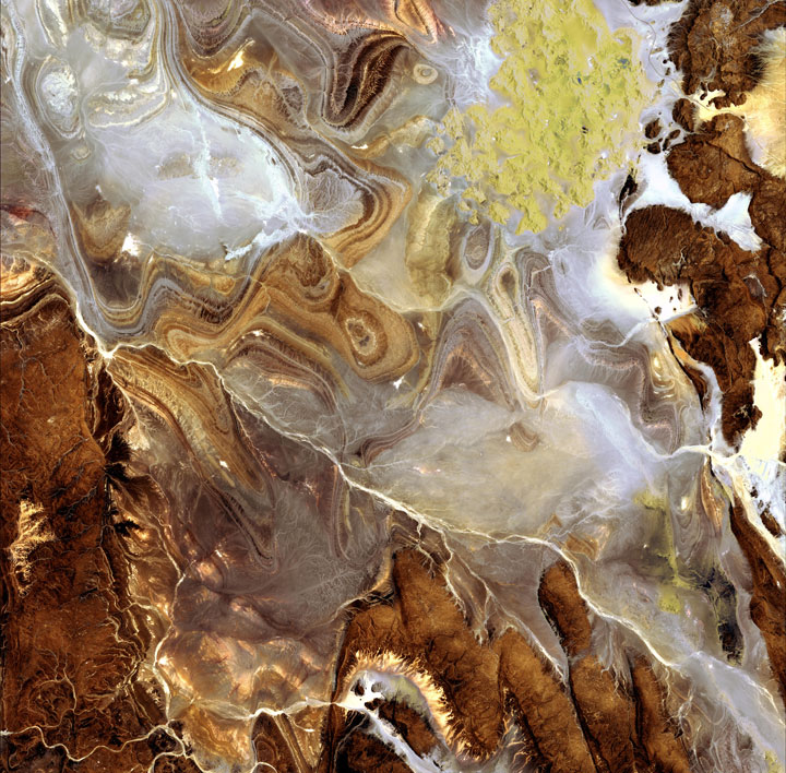 The Algerian Sahara-Striking-Landscapes-of-Earth-from-space-as-artworks-12