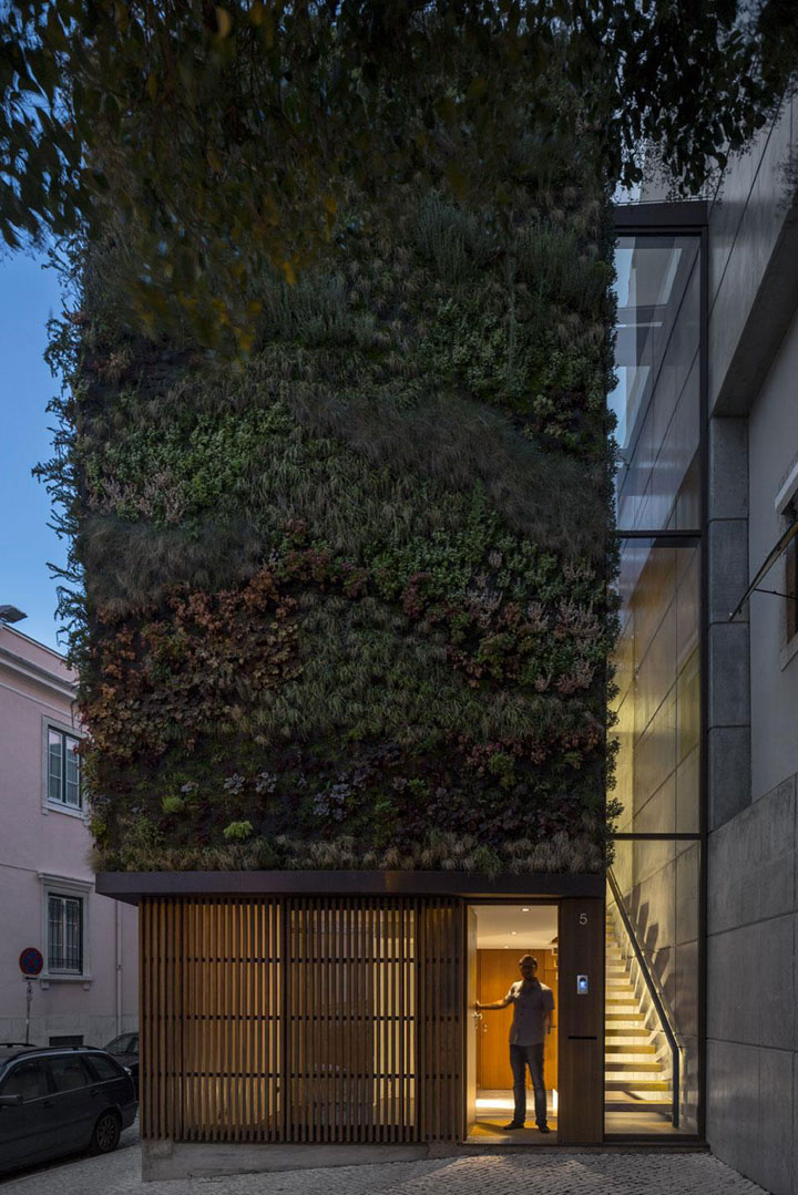 House Patrocinio, by Rebelo De Andrade in Lisbon, Portugal