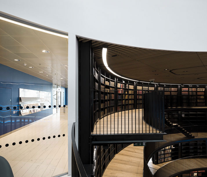 Library Of Birmingham: The Breathtaking European Library For Book Lovers