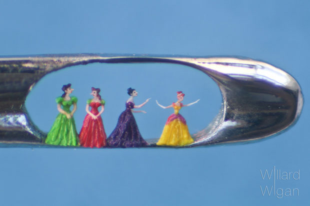 An Artist Creates Amazing Miniature Sculptures Of The Size Of A Sewing Needle Pinhead-6