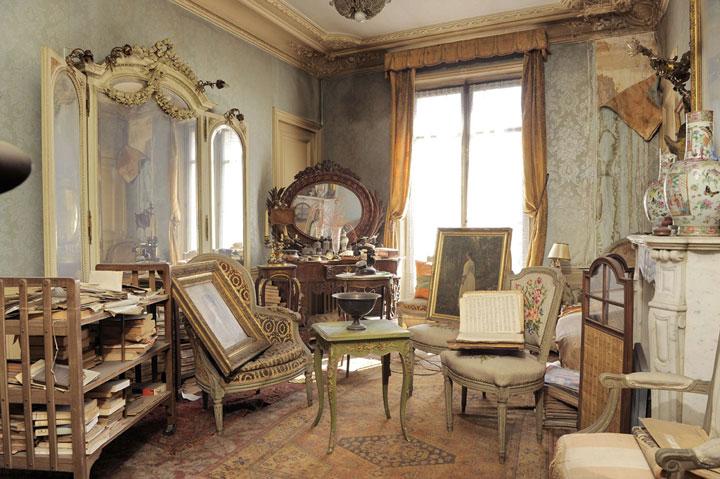Visit A Sublime Parisian Apartment Frozen In Time Since 1942