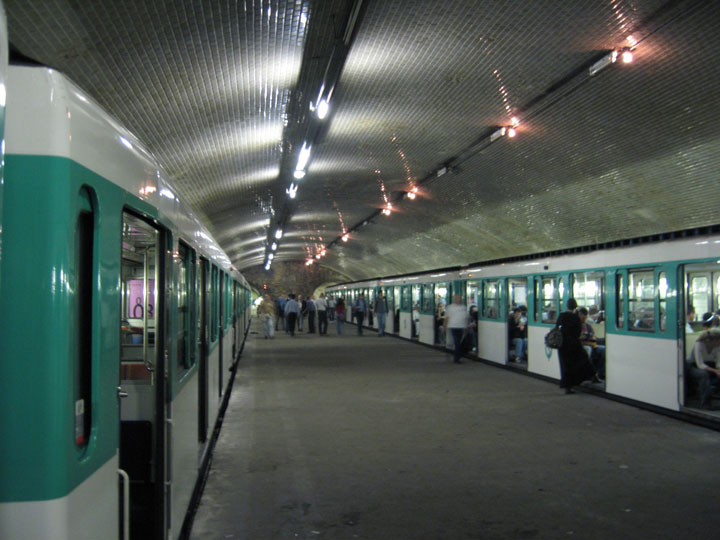 Visit the abandoned ghost metro stations of paris photo gallery - Porte de st cloud metro station ...