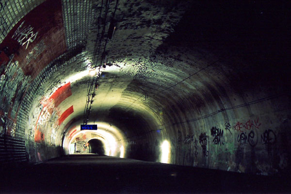The station Haxo-Visit The Amazing Abandoned Ghost Metro Stations Of Paris-15