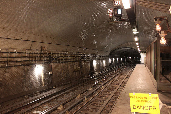The Invalides station-Visit The Amazing Abandoned Ghost Metro Stations Of Paris-5