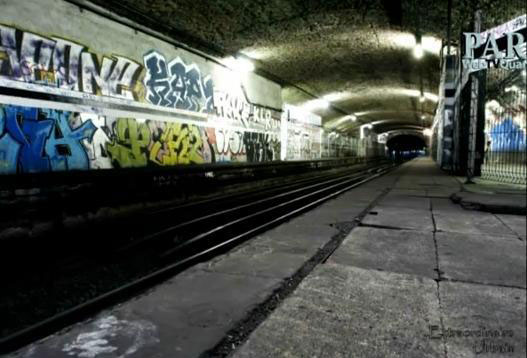 Arsenal station-Visit The Amazing Abandoned Ghost Metro Stations Of Paris-8