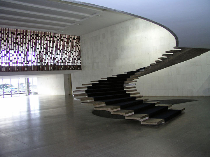 Absolutely Beautiful Staircase Designs That You Would Love To Climb-2