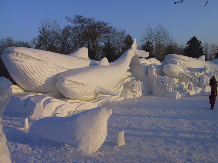 Awesome Ice Sculptures That Will Make Traditional Snowman Jealous-10