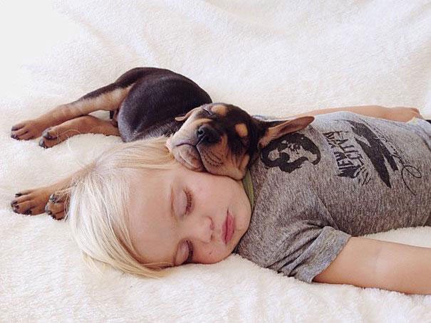Jessica A stunning Series Of Photograph Immortalizes The Friendship Between A Baby And A Puppy-19