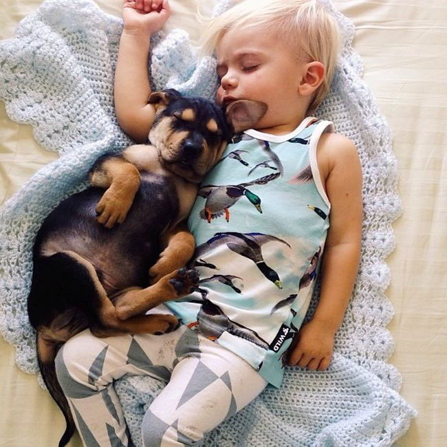 Jessica A stunning Series Of Photograph Immortalizes The Friendship Between A Baby And A Puppy-9