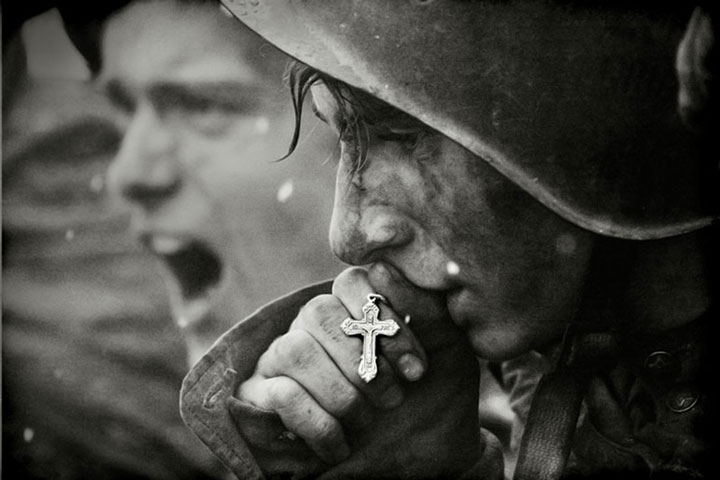16. Russian soldiers preparing for the battle of Kursk in July 1943 (photo created in 2006 from archives-Most Touching Photographs-14