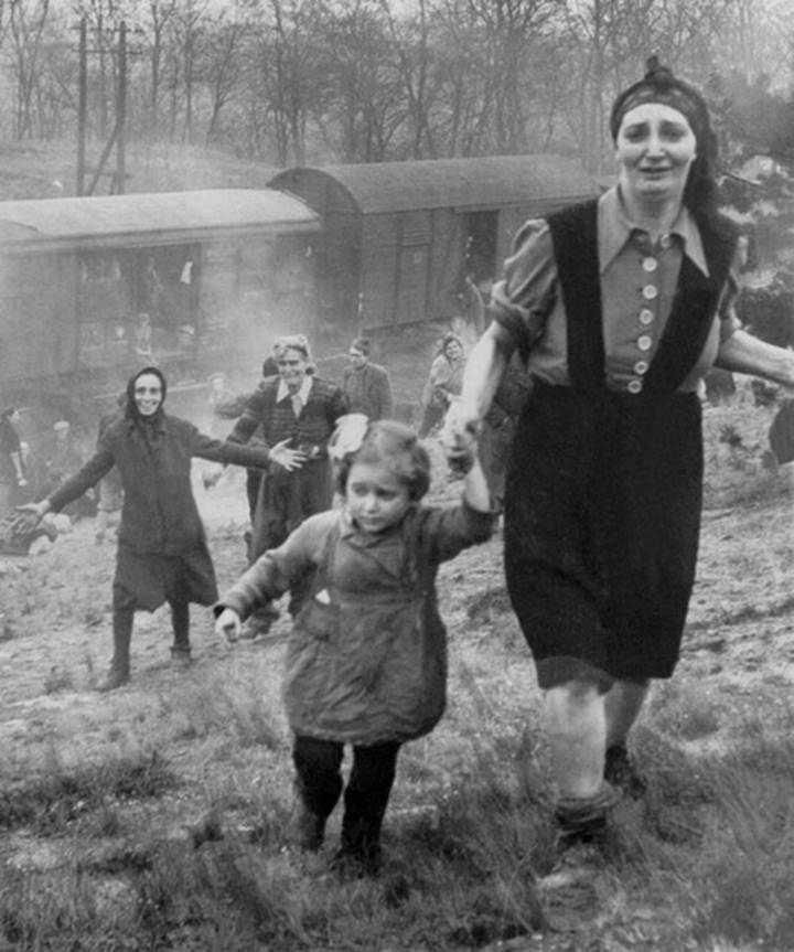 "Jewish prisoners released from a ""death train"" on the way to a concentration camp in 1945-Most Touching Photographs-17"