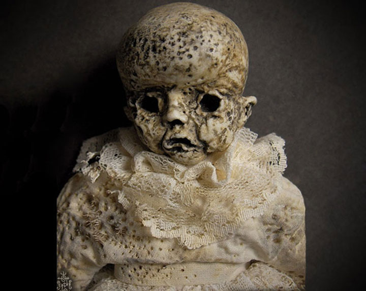 Mummies dolls-Terrifying Dolls Will Surely Frighten Naughty Kids-12