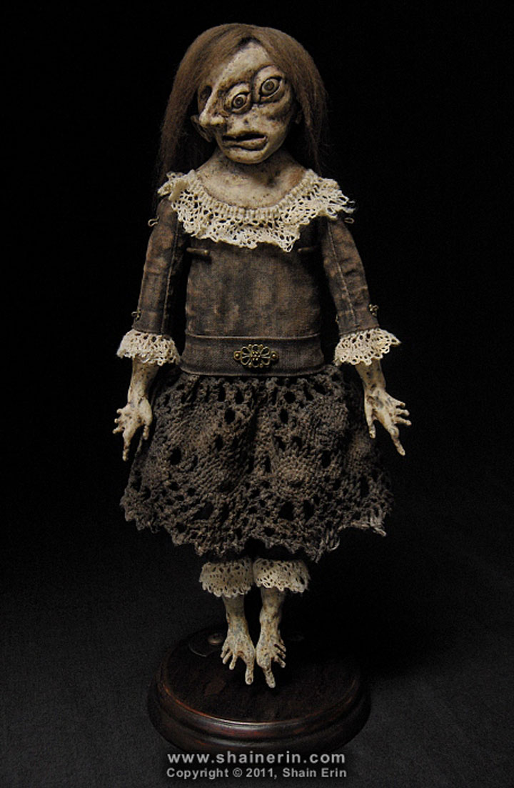 Sabelia-Terrifying Dolls Will Surely Frighten Naughty Kids-15