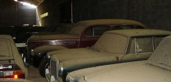 A retired couple finds a tresure in a farmhouse, a collection of vintage cars-9