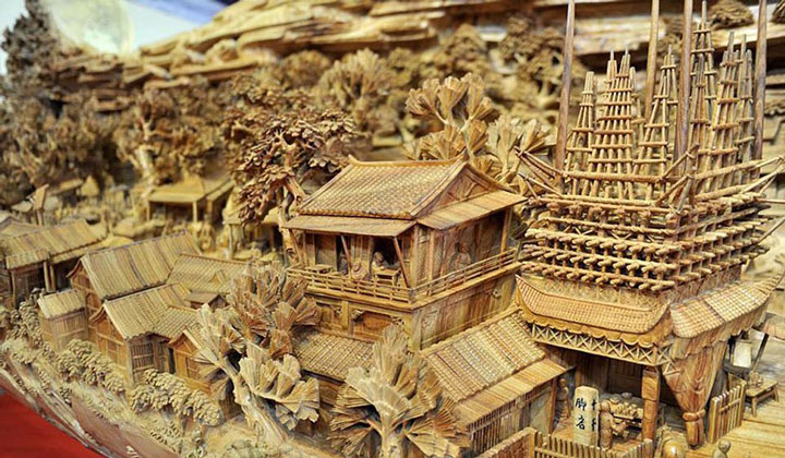 An Artist Makes World's Most Spectacular And Longest Wooden Sculpture-