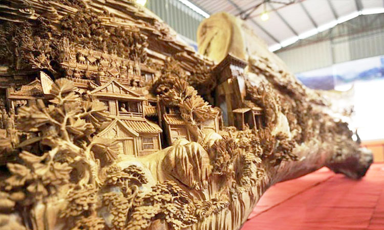 An Artist Makes World's Most Spectacular And Longest Wooden Sculpture-3