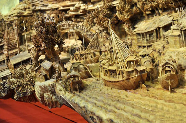 An Artist Makes World's Most Spectacular And Longest Wooden Sculpture-5