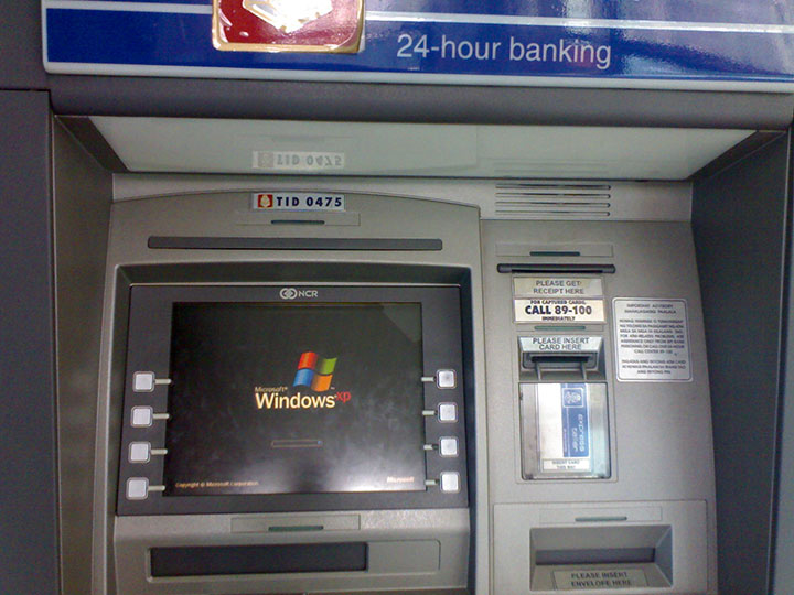 End Of Update To Windows XP Makes 95% of ATMs Worldwide Vulnerable To Piracy -