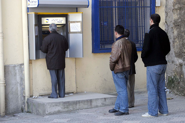 End Of Update To Windows XP Makes 95% of ATMs Worldwide Vulnerable To Piracy -2