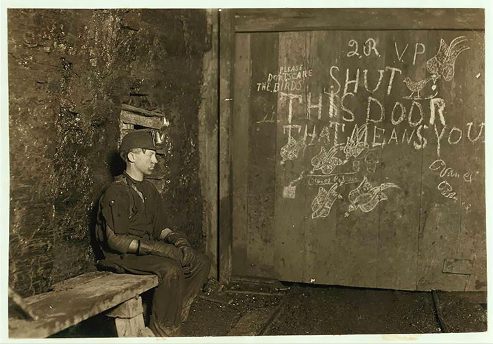 Porter for trucks at a mine in West Virginia-20 Photographs Showing The Child Labor Conditions In Early Twentieth Century-1