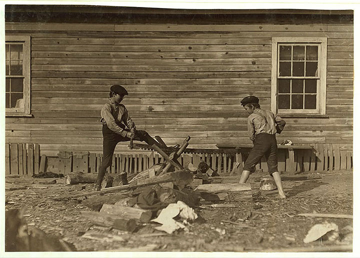 Loggers in Dillon, South Carolina-20 Photographs Showing The Child Labor Conditions In Early Twentieth Century-10