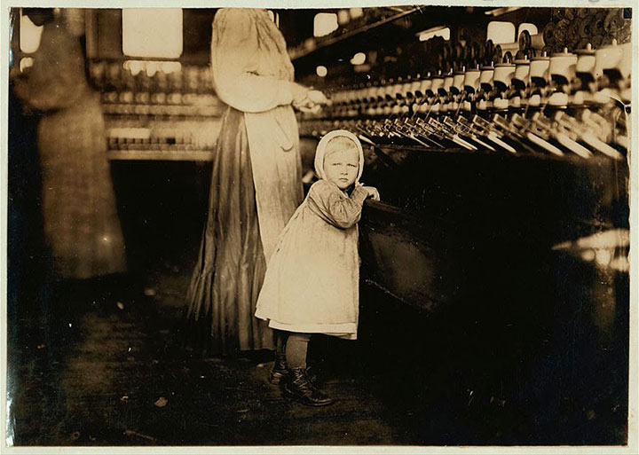 Daughter of a foreman in Hickory, North Carolina-20 Photographs Showing The Child Labor Conditions In Early Twentieth Century-13