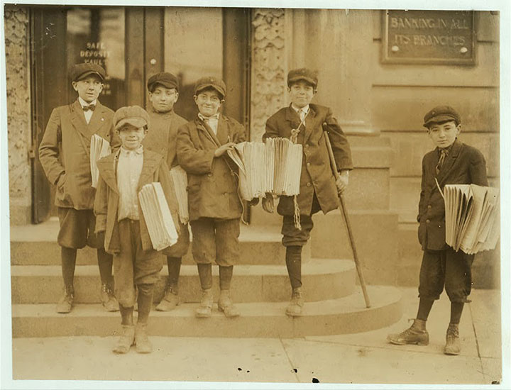 Newsboys in Jersey City, New Jersey-20 Photographs Showing The Child Labor Conditions In Early Twentieth Century-6