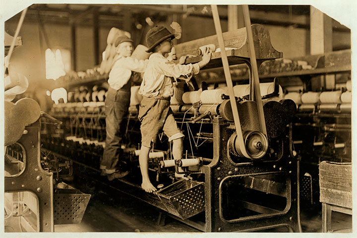 Boys in the textile, Bibb Mill-20 Photographs Showing The Child Labor Conditions In Early Twentieth Century-8
