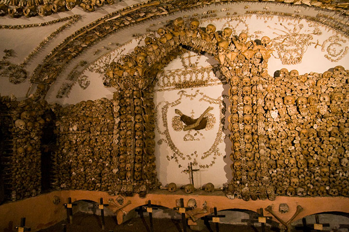 Top 14 Creepy Monuments Erected With Human Bones And Skulls-18
