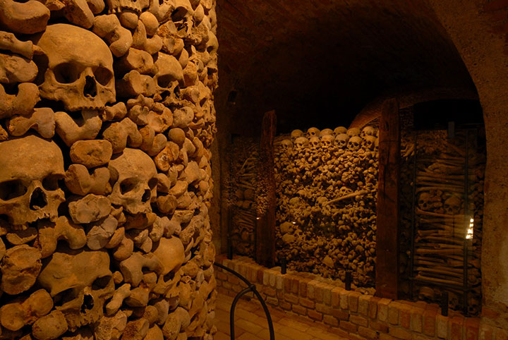 Top 14 Creepy Monuments Erected With Human Bones And Skulls-31