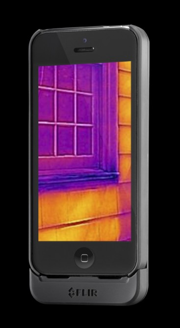 FLIR-1 Brings Thermal Imaging To The Palm Of iPhone Users-1