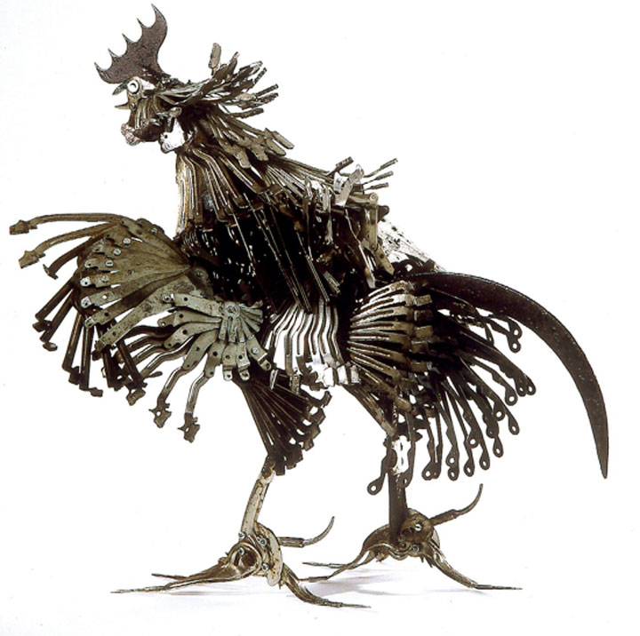 The rooster-Marvelous Metallic Animal Sculptures Made Using Everyday Objects -11